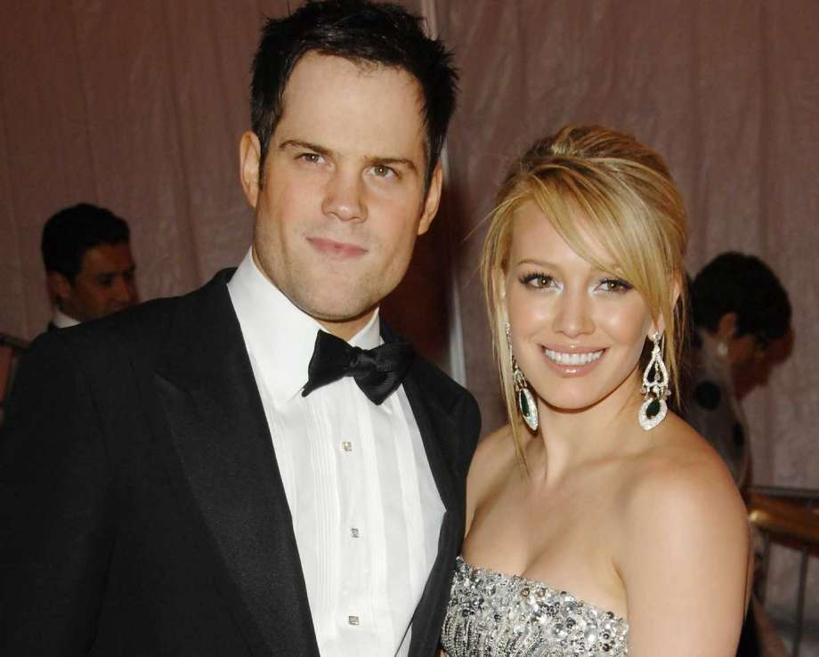 blonde actress married to hockey player