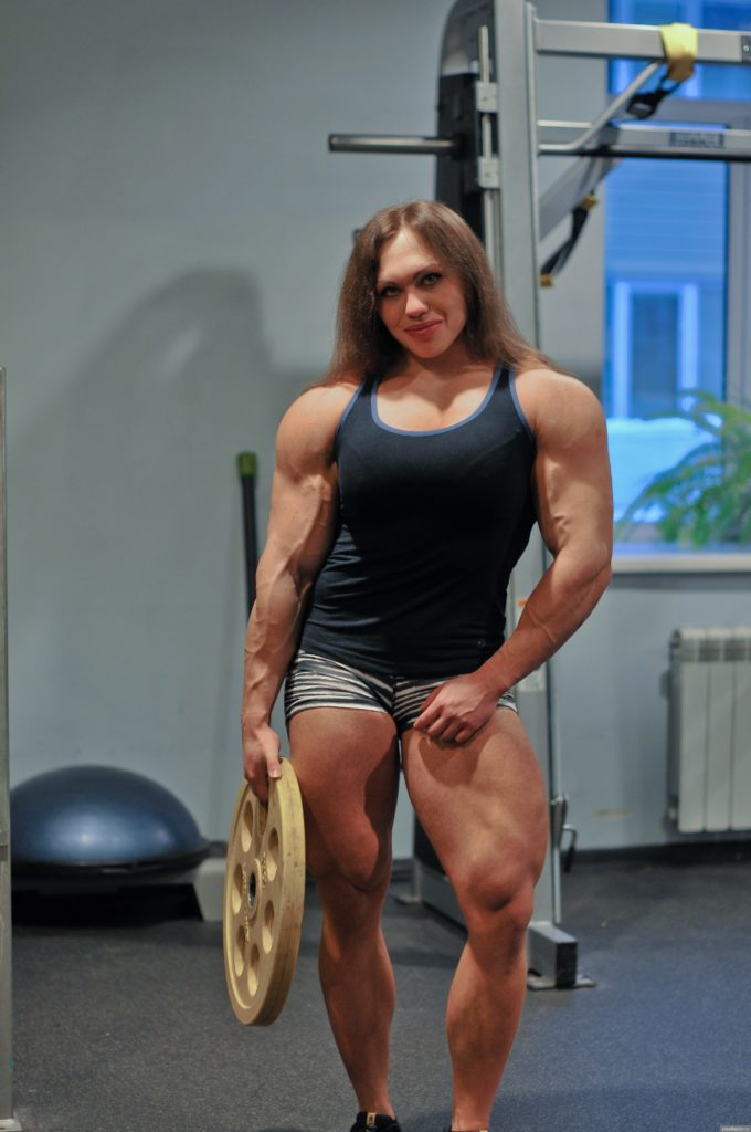 Biggest bodybuilder in the world women
