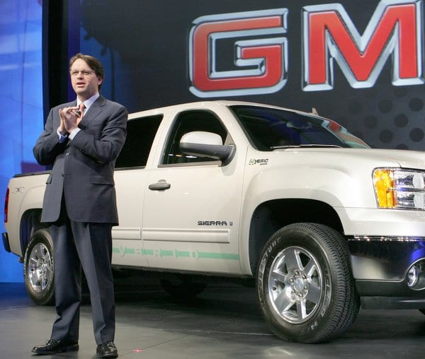 General Motors North America Vice President Field Sales, Service and Parts Brent Dewar introduces the 2009 GMC Sierra Hybrid pickup at the 2008 Chicago Auto Show Wednesday, February 6, 2008 in Chicago, IL. The Sierra Hybrid will achieve a 40-percent greater city fuel economy and a 25-percent improvement in overall fuel economy while delivering a 6,100-pound towing capacity. (Photo by Tyler Mallory for General Motors) (United States)