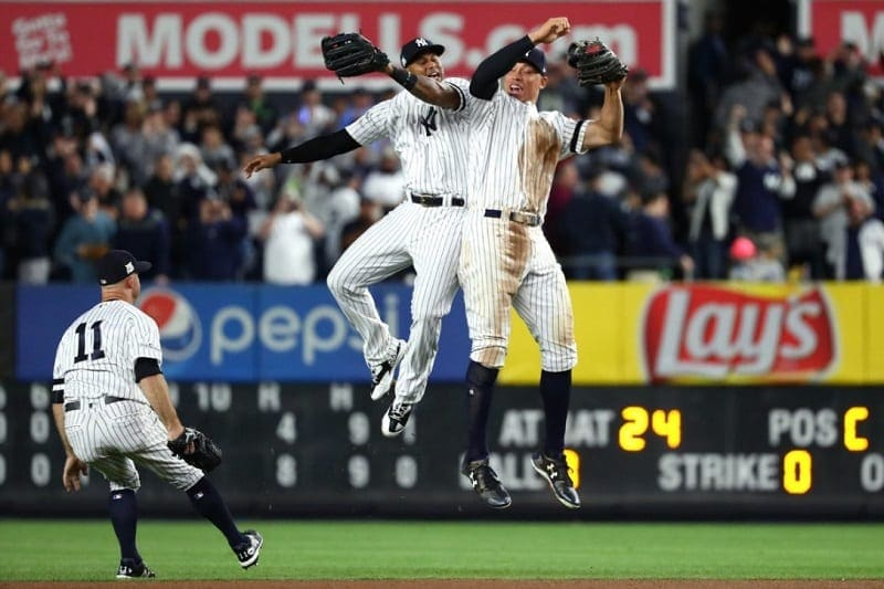 yankees outfield celebrating