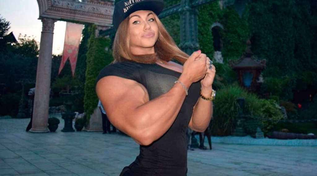 Muscle woman with little guy exclusively
